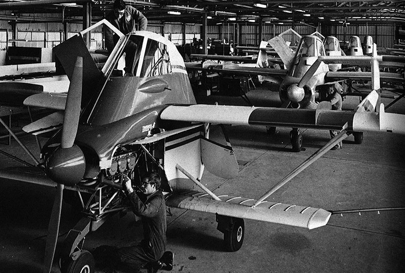 1974. The Airtruk production line at Seven Hills.