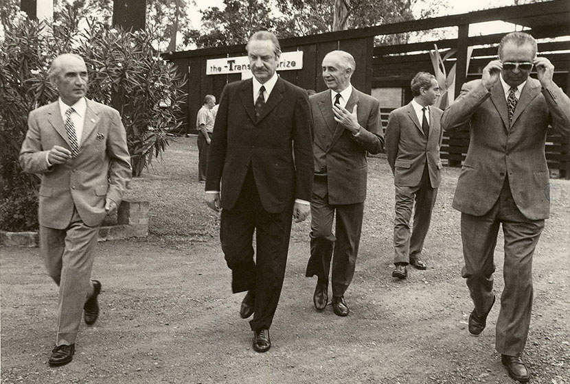 1971 Alfredo Bemporad, Italian Deputy Minister for Foreign Affairs visits Transfield's sculpture garden.