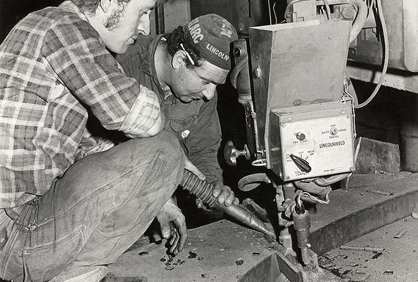Using a Lincolnwelder at Seven Hills.