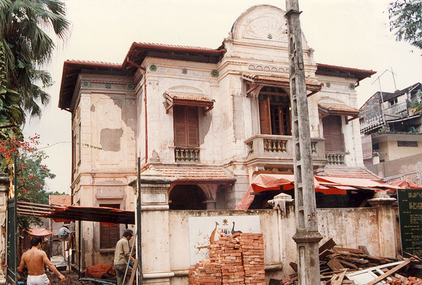 1989. Refurbishment of the Australian Embassy in Hanoi, Vietnam.