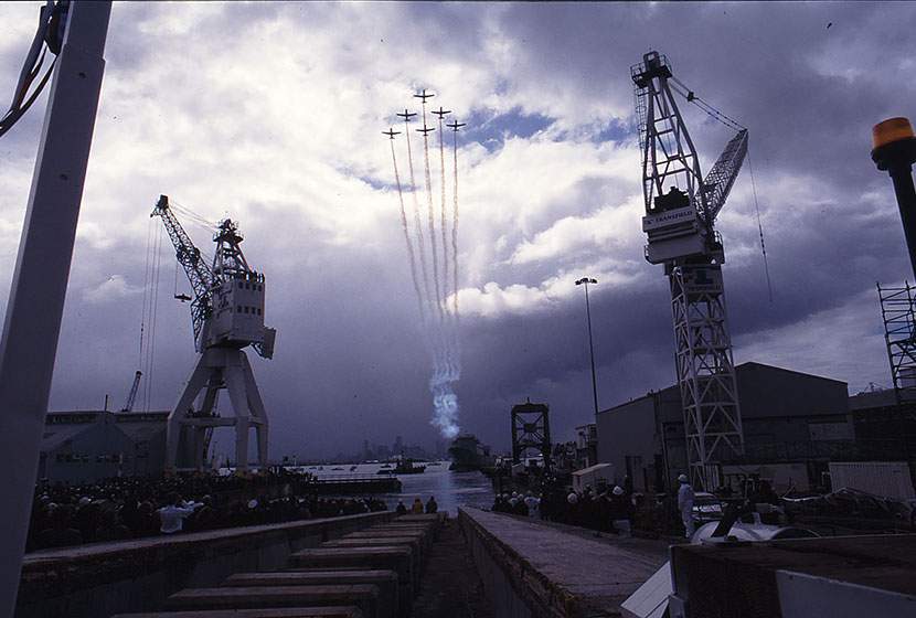 1994. Flight of RAAFs acrobatic team over HMAS Anzac.