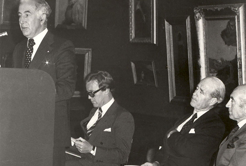 1979. Governor-General Sir Zelman Cowen officially opening the third Biennale of Sydney.
